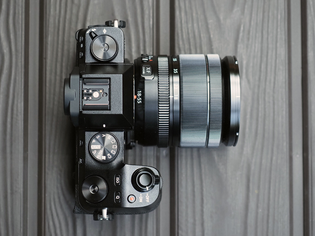 Bas-Fujifilm X-Space น่าใช้