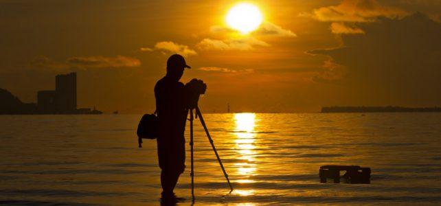 ภาพพระอาทิตย์ตกดิน-คนถ่ายภาพ